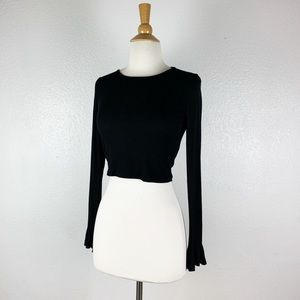 Forever 21 Long Sleeve Black Crop Top Size Medium